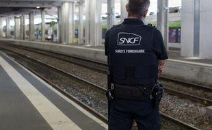Un corps sans vie a été découvert à la gare Montparnasse, ce jeudi. Cette découverte occasionne des retards sur les trains.