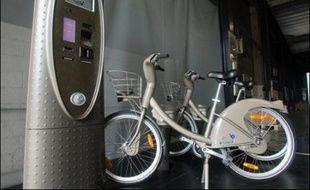 """Il y aura en moyenne 15 """"bornettes"""" pour 10 vélos, afin qu'en fin de trajet les utilisateurs n'aient pas de mal à trouver une place. Si la borne est pleine, 15 minutes supplémentaires gratuites permettront de se rendre dans une autre station."""