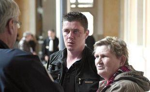 Daniel Legrand et sa mère le 19 mai 2015 à la cour d'assises de Rennes.