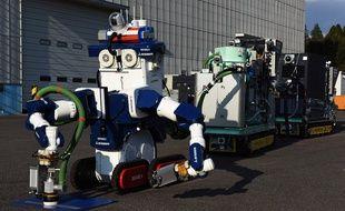 Trois groupes japonais ont présenté une équipe de robots «décontaminateurs» pour nettoyer les bâtiments des réacteurs de Fukushima.