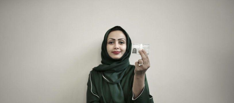Une Saoudienne avec son permis de conduire