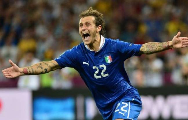 L'Italie, sans génie mais dominatrice, s'est qualifiée dimanche à Kiev pour les demi-finales de l'Euro-2012 en éliminant aux tirs au but (4-2; 0-0 a.p.) une équipe d'Angleterre maudite dans l'exercice mais qui paie aussi d'être venue sans autre ambition que de défendre.