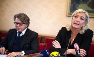 """La présidente du Front national Marine Le Pen a décliné jeudi l'invitation de la principale mosquée de Montpellier à se rendre à sa journée portes ouvertes le 8 juin, tandis que le député Gilbert Collard l'a acceptée, estimant qu'""""on gagne toujours à mieux se connaître""""."""