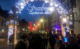 La porte de Noël. Strasbourg le 12 décembre 2016.
