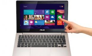 Un PC portable tactile d'Asus sous Windows 8.