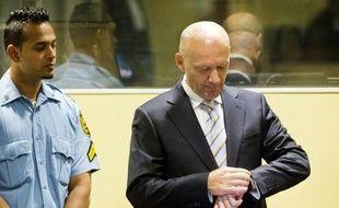 """L'ancien président du gouvernement des Croates de Bosnie, Jadranko Prlic, 53 ans, a été condamné mercredi à 25 ans de prison pour avoir forcé le transfèrement de populations musulmanes en Bosnie dans le but de créer une """"grande Croatie"""" et d'avoir répandu la terreur dans ces communautés."""