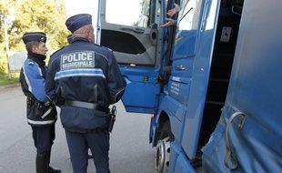 Illustration. Opération de la police nationale et municipale. (Strasbourg) 16 10 2012.