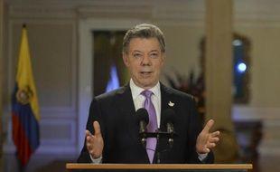 Le président colombien Juan Manuel Santos s'adresse à la nation depuis le palais présidentiel de Narino, le 10 mars 2015