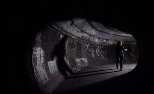 Tunnel de la station de métro inutilisée de Down Street, sous le quartier chic du Mayfair à Londres le 18 mai 2015