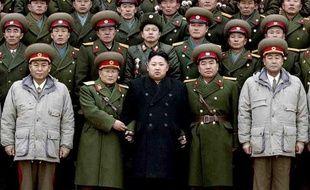 """La Corée du Nord a célébré son nouveau dirigeant Kim Jong-Un dimanche, jour de son anniversaire, en diffusant un documentaire à sa gloire dans lequel le fils cadet de Kim Jong-Il, décédé en décembre, est qualifié de """"génie des génies"""" en matière de stratégie militaire."""