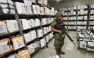 La gauche mexicaine remet en cause crescendo la légitimité de l'élection d'Enrique Peña Nieto à la présidence de la République en dénonçant désormais des achats de votes massifs et s'apprête à la contester sur le terrain légal après la fin du décompte officiel samedi.