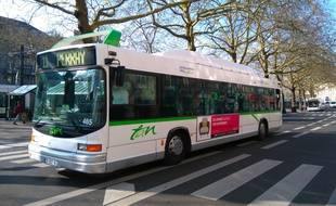 Nantes, le 16 mars 2016, un bus de la Semtan