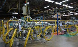Le vélo Pibal de Starck sur la chaîne de montage du fabricant Peugeot 3cfb586ad9a