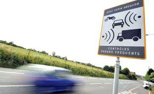 Un panneau signalant un radar (image d'illustration).