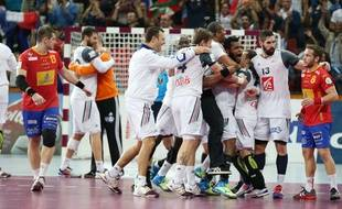 La joie des Français après la qualification acquise contre l'Espagne (25-22) pour la finale du Mondial de handball, le 30 janvier 2015.