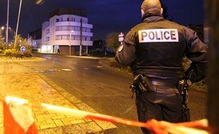 Illustration d'un périmètre de sécurité instauré par la police ici à Chantepie, près de Rennes.