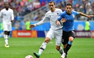 Griezmann face à Torreira en quart de finale de la Coupe du monde