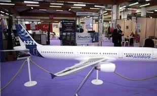 La compagnie américaine à bas coûts JetBlue a commandé 35 Airbus moyen-courriers d'une valeur totale de 3,95 milliards de dollars au prix catalogue, a annoncé mardi l'avionneur, précisant qu'il franchissait le seuil des 10.000 commandes de ces appareils.