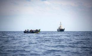 Un bateau de migrants secouru par la police espagnole en 2018.