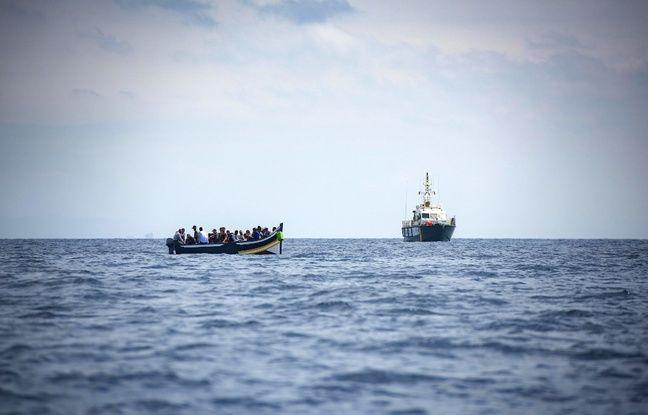 648x415 bateau migrants secouru police espagnole 2018
