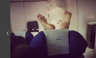 La page Facebook Passenger shaming recense en images les comportements incorrects de certains passagers en avion.