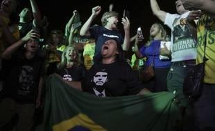 Le candidat d'extrême droite Jair Bolsonaro arrive en tête du premier tour de la présidentielle au Brésil avec 48,12% des voix le 7 octobre 2018.