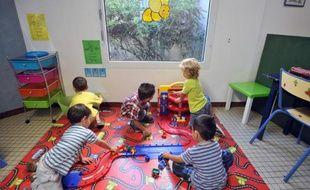 Des enfants dans une école maternelle