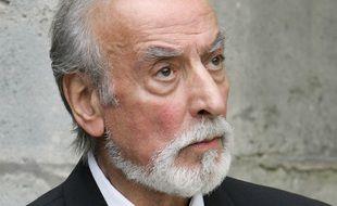 Robert Castel aux funérailles de Jean Lefèbvre, en 2004