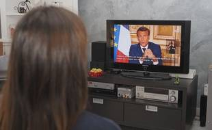 Lors de l'allocution télévisée du 13 avril 2020, Emmanuel Macron a annoncé le versement d'une aide exceptionnelle aux familles les plus modestes Les étudiants les plus précaires seront aussi aidés.