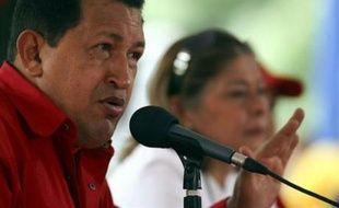 """Le président vénézuélien Hugo Chavez a exclu mercredi """"tout type de relation"""" avec le gouvernement colombien tant que son homologue Alvaro Uribe serait au pouvoir."""
