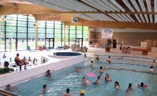 Illustration de la piscine des Gayeulles à Rennes.