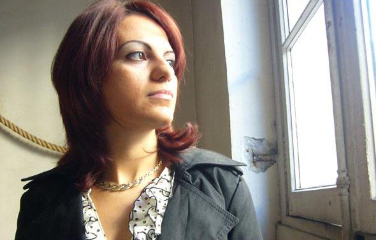 """Sihem Souid qui a écrit """"Omerta dans la police"""", en octobre 2010. – © tRioL/le joujou rouge"""