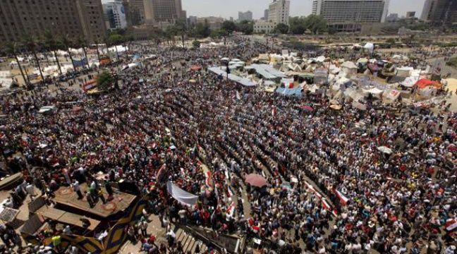 Manifestants place Tahrir au Caire le 30 juin 2013. – Amr Nabil/AP/SIPA