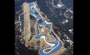 Photo aérienne prise le 1er février 2002 du circuit du Castellet, dans le Var.