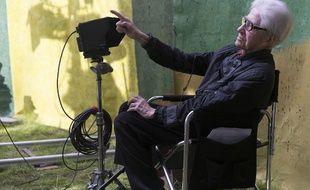 Alain Resnais sur le plateau d'Aimer, boire et chanter