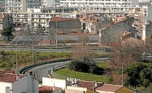 La cité Félix-Pyat est l'une des plus pauvres de Marseille.