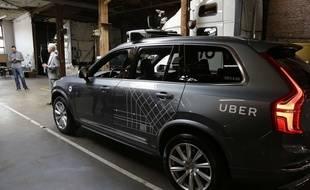 Un SUV Volvo modifié par Uber.