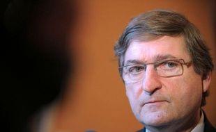"""Francis Rol-Tanguy, le haut fonctionnaire chargé de préparer la fermeture de la centrale nucléaire de Fessenheim, a déploré mardi un """"certain autisme du milieu nucléaire"""" hostile à une décision qui selon lui rendrait """"service"""" à EDF, dans un entretien au Figaro."""