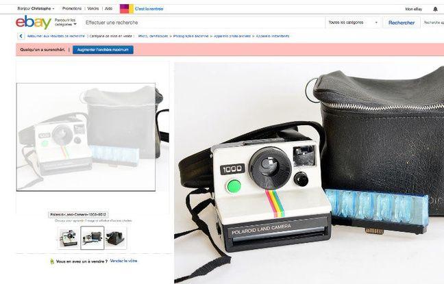 On trouve des centaines de One Step (Polaroid 1000) d'occasion sur Internet, comme ici sur eBay.