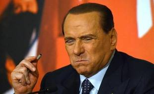 L'ex-chef du gouvernement Silvio Berlusconi, au centre de la vie politique italienne depuis 20 ans, se prépare mercredi à un vote qui sanctionnera son expulsion du parlement, sans conséquences immédiates toutefois sur le gouvernement.