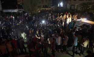 Des Palestiniens rassemblés à Gaza le 27 août 2019 après la mort de deux policiers.