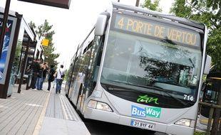 La ligne 4 de busway à Nantes, ici sur l'île de Nantes.