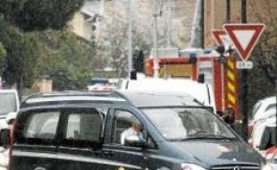 Le corbillard qui achemine le corps de Mohamed Merah à Bordeaux, jeudi.