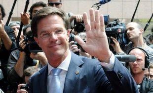 Le Premier ministre finlandais Jyrki Katainen a proposé jeudi que les pays de la zone euro qui subissent la pression des marchés émettent des obligations sécurisées, généralement réservées aux établissements financiers, pour bénéficier de taux moins élevés.