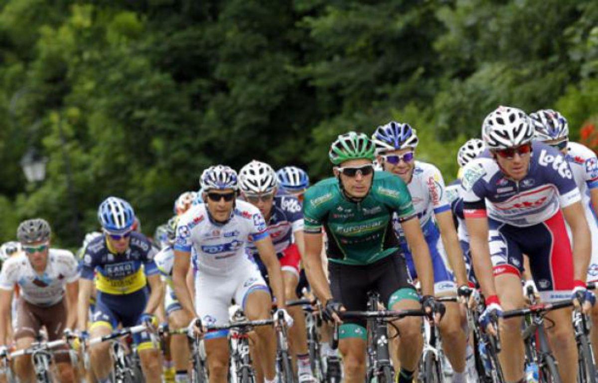 Le peloton du Tour de France lors de 5e étape entre Rouen et Saint-Quentin, le 5 juillet 2012. – S.Mahé / REUTERS