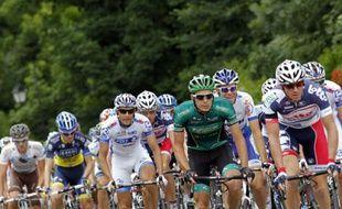 Le peloton du Tour de France lors de 5e étape entre Rouen et Saint-Quentin, le 5 juillet 2012.