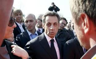 Le chef de l'Etat français Nicolas Sarkozy, candidat à sa succession à la présidentielle d'avril et mai, a un patrimoine d'environ 2,7 millions d'euros, selon sa déclaration déposée au Conseil constitutionnel et publiée samedi au Journal officiel