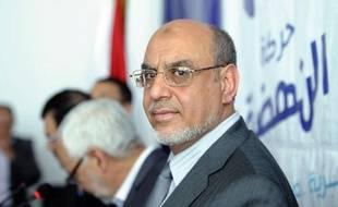 Les tractations pour la mise en place d'un gouvernement d'union nationale souhaité par le parti islamiste Ennahda, donné vainqueur de l'élection de dimanche en Tunisie, se poursuivaient jeudi alors que les résultats définitifs du scrutin se faisaient toujours attendre