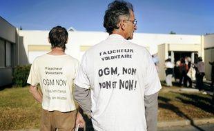 Illustration de militants anti-OGM.