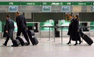 L'administration américaine de la sécurité des transports (TSA) a annoncé vendredi des procédures de sécurité accélérées pour les pilotes d'avions commerciaux qui avaient protesté contre le fait d'être soumis comme les passagers aux nouveaux contrôles plus serrés.